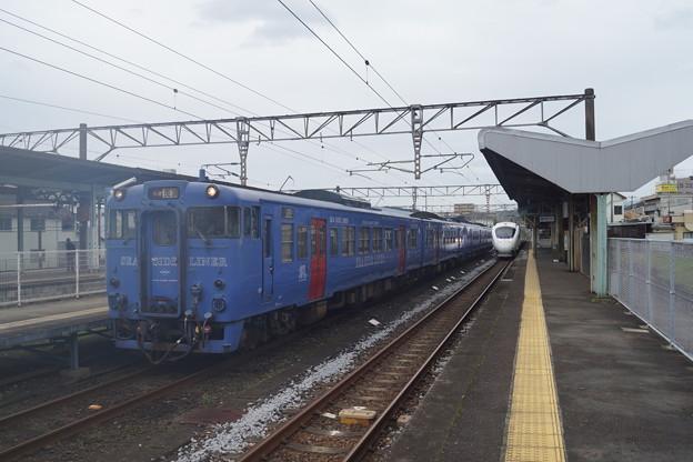 JR九州 諫早駅 キハ60_4連シーサイドライナー & 885系白いかもめ