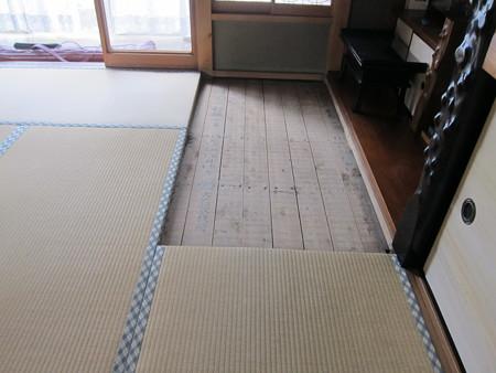 8畳二間新畳に01