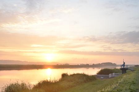 手賀川にて昇陽