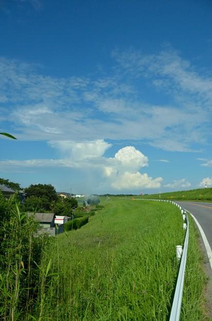 水戸街道夏雲