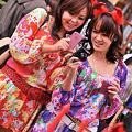 写真: 川崎ハロウィン仮装パレード2011・・ママ達ですよ一応