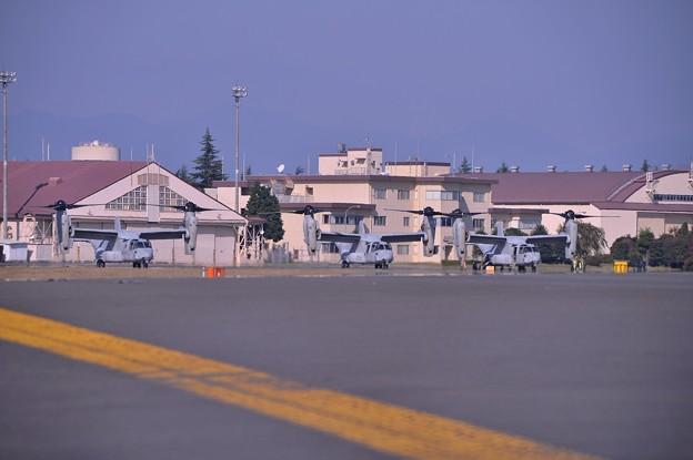 横田基地に3機飛来したオスプレイ・・20141025