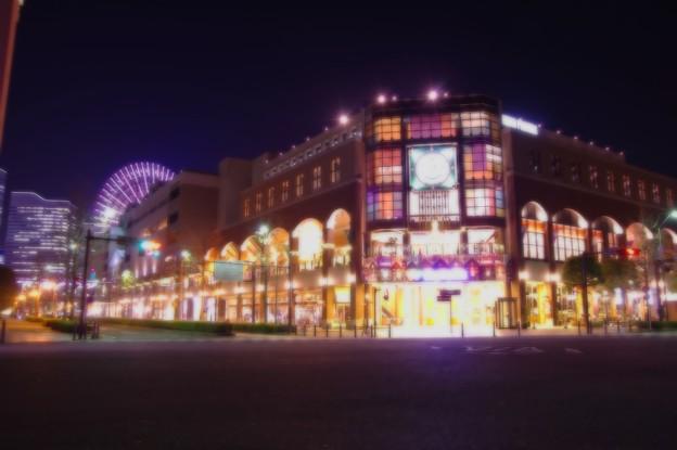 ある日の寒い日の横浜夜景・・静寂になったワールドポーターズ前 20141212