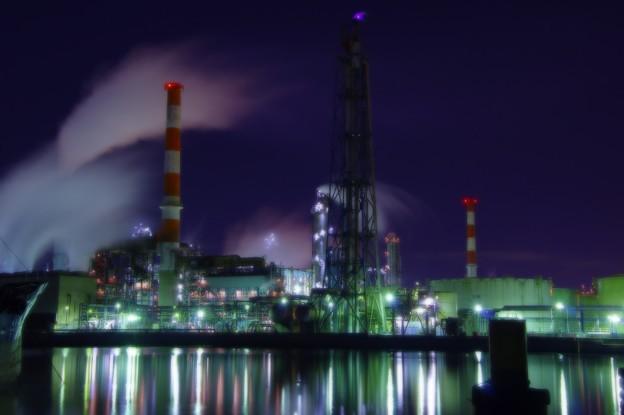 ある寒い夜中。。水江運河の静寂な工場群・・20141227