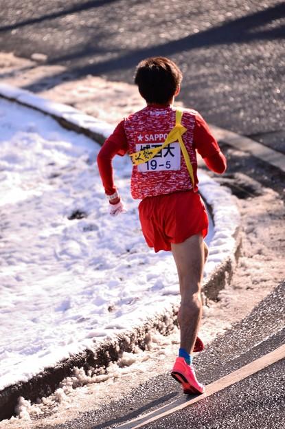雪解けの箱根山登り大平台・・城西大の選手 20150102