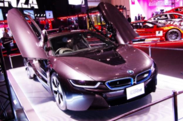 BMW i8 スポーツカーでエコカーハイブリッド