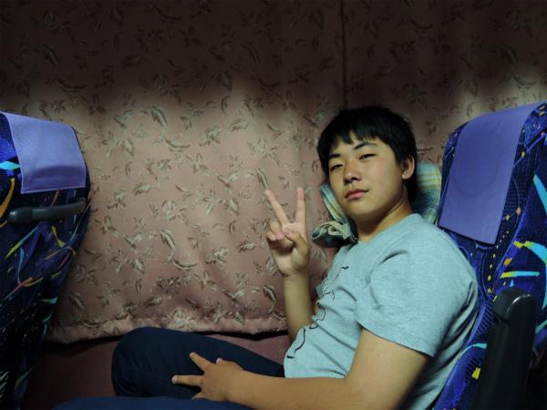 新宿から夜行バスに乗り込む