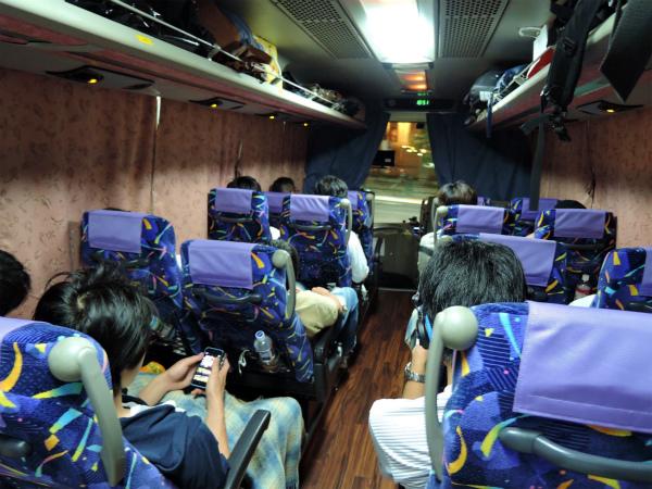 夜行バスで寝ている間に大阪へ移動