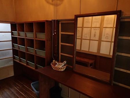 27 6 山梨 岩下温泉旅館 旧館 12