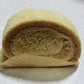 八丁味噌ロールケーキ