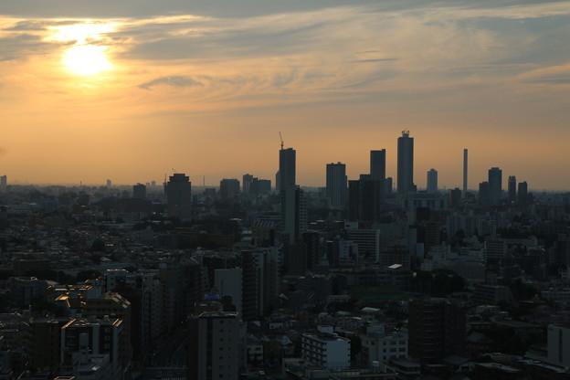 Photos: 暮れゆく首都